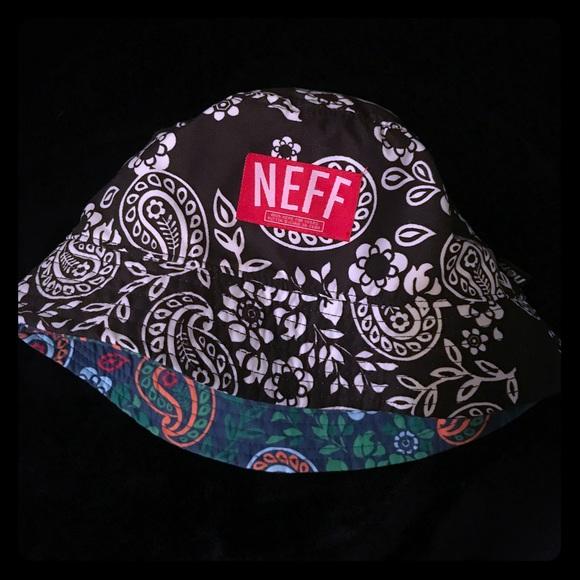 073614025 NEFF Reversible Bucket Hat
